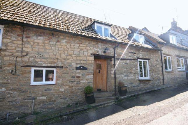 Thumbnail Cottage to rent in Cross Lane, Tingewick, Nr. Buckingham