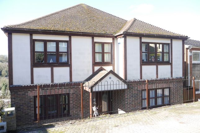 Thumbnail Detached house to rent in Hillcrest Road, Biggin Hill, Westerham