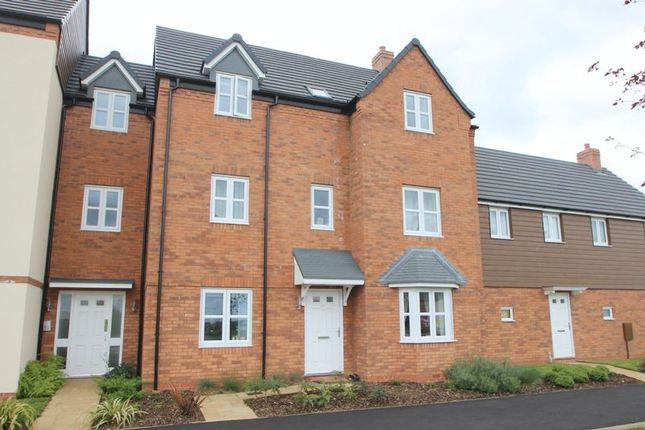 Thumbnail Flat for sale in Wellington Avenue, Meon Vale, Stratford-Upon-Avon