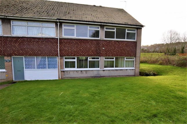 Thumbnail Flat for sale in Maple Close, Barry