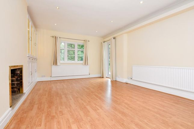 2 bed maisonette to rent in Broomfield Court, Sunningdale