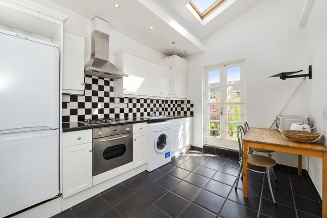Thumbnail Flat to rent in Clifden Road, Brentford