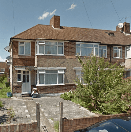 Thumbnail Semi-detached house to rent in Meadow Road, Feltham