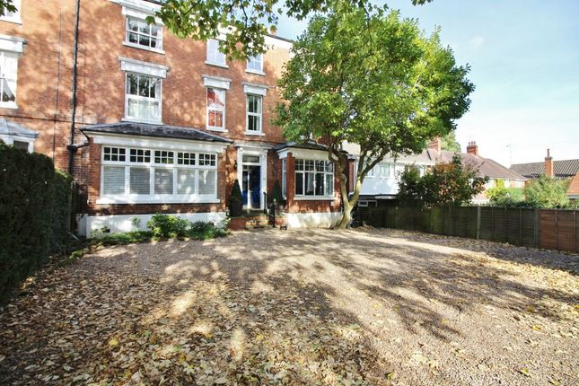 Thumbnail Flat for sale in Clarendon Road, Kenilworth