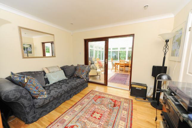 Dining Room of Treeneuk Close, Ashgate, Chesterfield S40