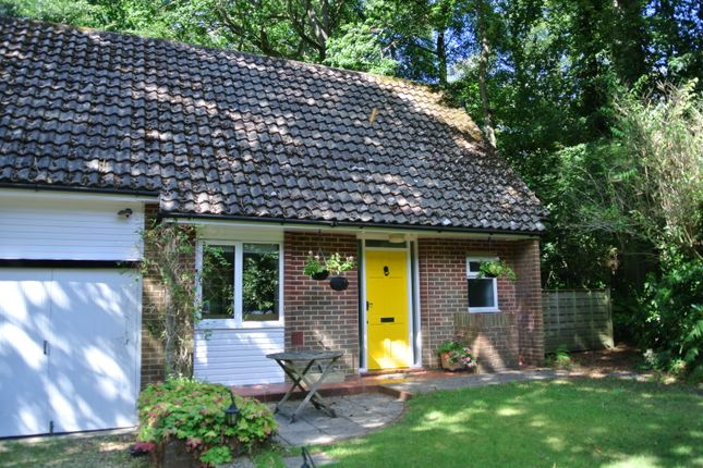 Thumbnail Maisonette to rent in New Road, Wormley