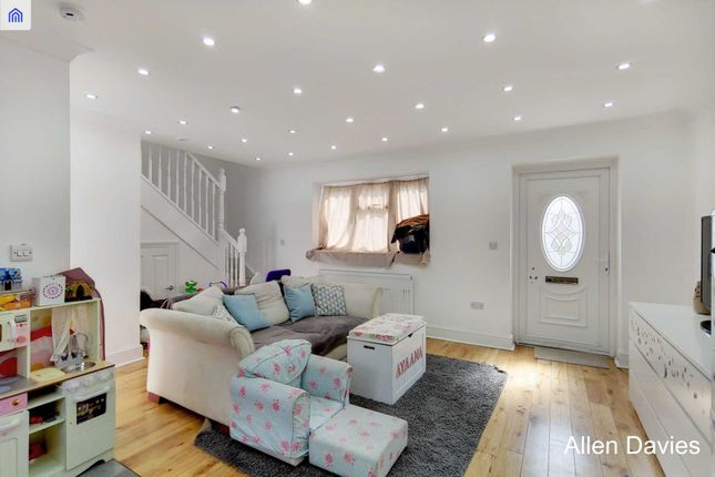 Thumbnail Property for sale in Claremont Road, London