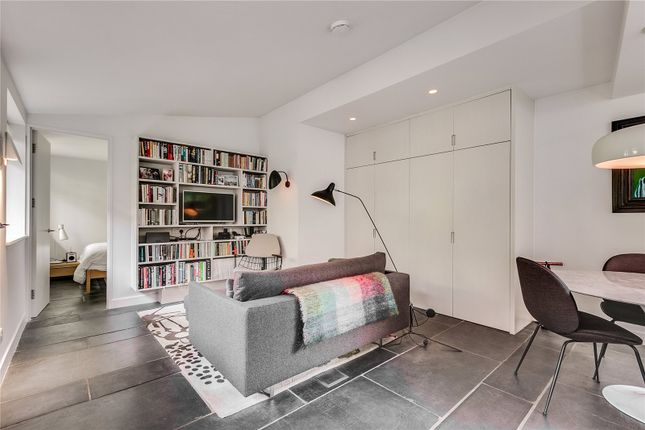 Thumbnail Semi-detached bungalow to rent in Highbury Grove, London