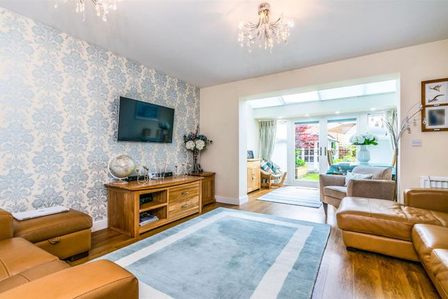 Living Room of Beeches Way, Faygate, Horsham RH12