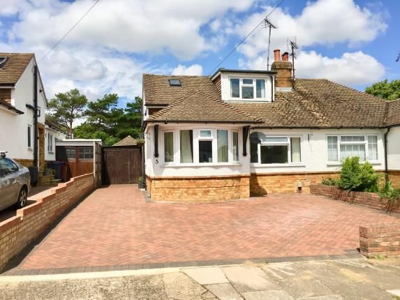 Thumbnail Bungalow for sale in Traherne Close, Hitchin, Herts, England