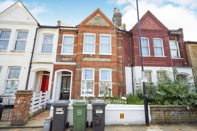 Thumbnail Flat for sale in Overcliff Road, London