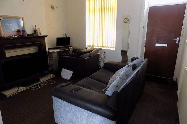 Lounge of New Hey Road, Bradford BD4