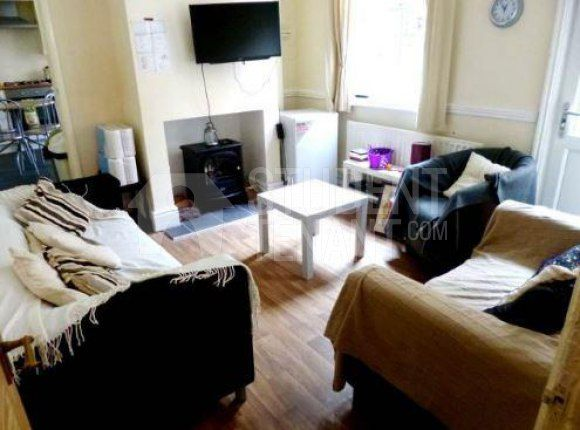 Thumbnail Shared accommodation to rent in Crompton Street, Derby, Derbyshire