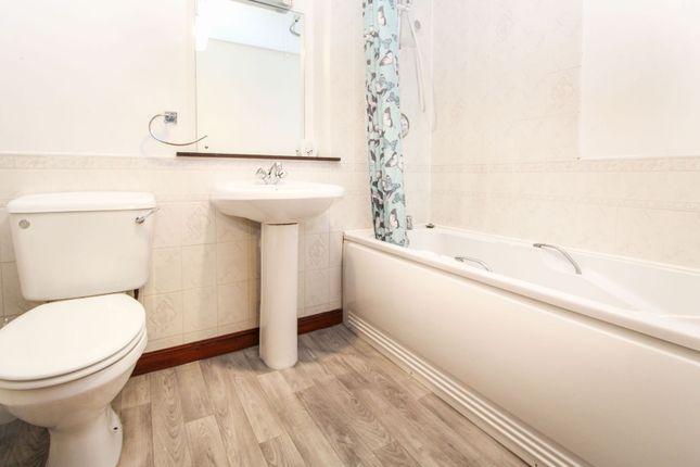 Bathroom of 461 Holburn Street, Aberdeen AB10
