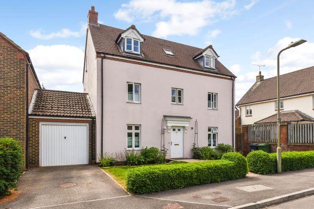 4 bed link-detached house for sale in Dickins Lane, Petersfield GU31