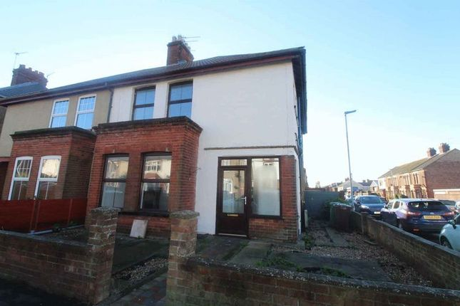 Thumbnail Semi-detached house to rent in Hamilton Road, Great Yarmouth
