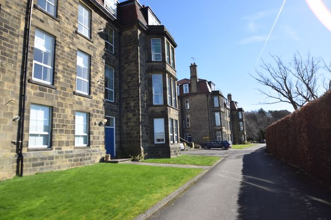 2 bed flat to rent in Lady Park Avenue, Bingley
