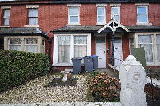 Thumbnail Flat to rent in Leeds Road, Blackpool