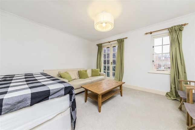 4 bed terraced house to rent in Kingston Road, London