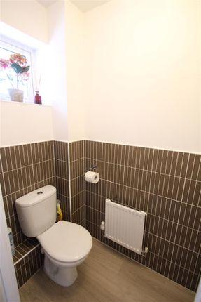 Cloakroom of Wodell Drive, Wolverton, Milton Keynes MK12