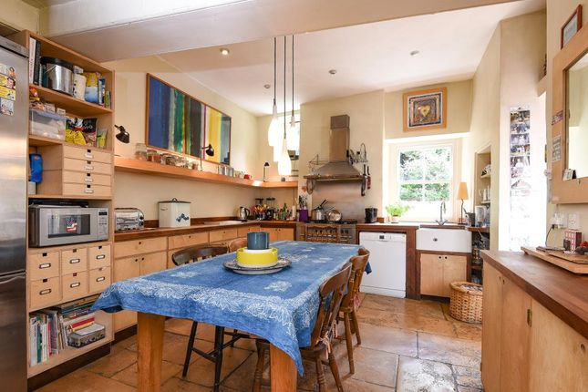 West street chipping norton ox7 6 bedroom town house for for Kitchens chipping norton