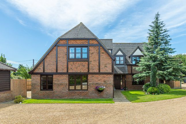 Thumbnail Detached house for sale in The Pastures, Upper Stondon, Henlow, Beds