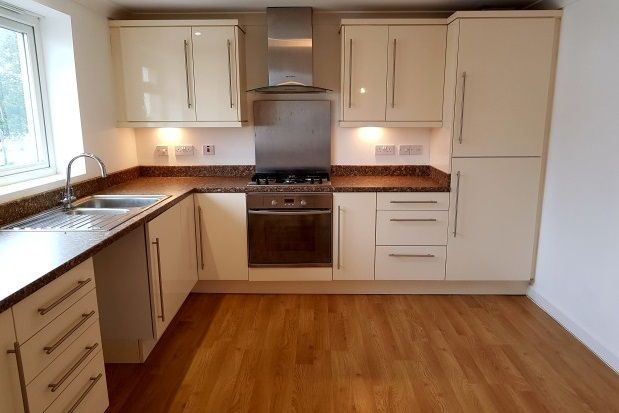 Thumbnail Flat to rent in Horace Road, Torquay