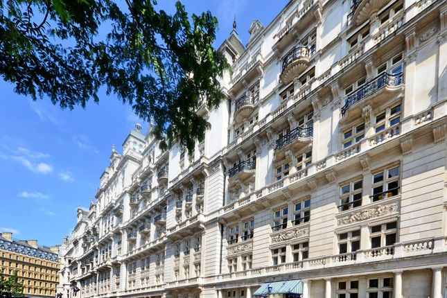 3 bed flat for sale in Whitehall Court, St James's