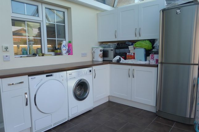 Thumbnail Detached house for sale in Swift Close, Letchworth Garden City