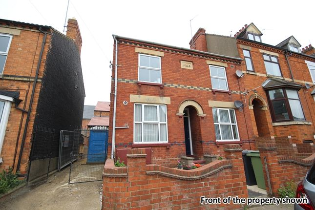 2 bed flat to rent in Rock Street, Wellingborough, Northamptonshire.