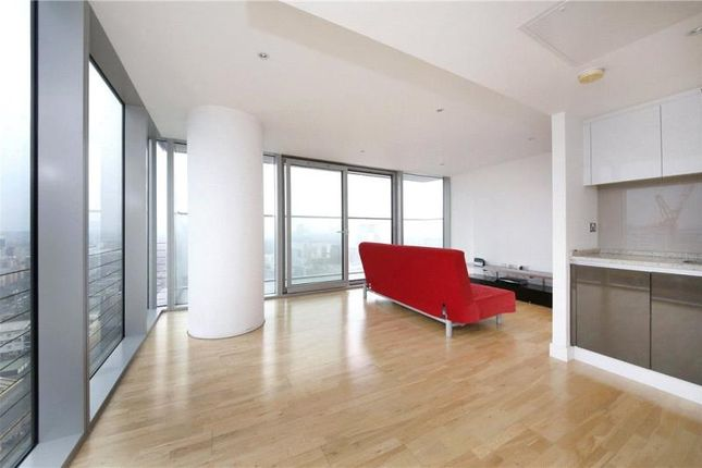 Thumbnail Flat to rent in Landmark East Tower, 24 Marsh Wall, Canary Wharf, London