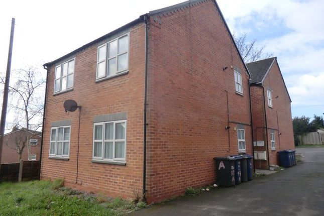 Thumbnail Flat to rent in Horninglow Road North, Horninglow, Burton-On-Trent