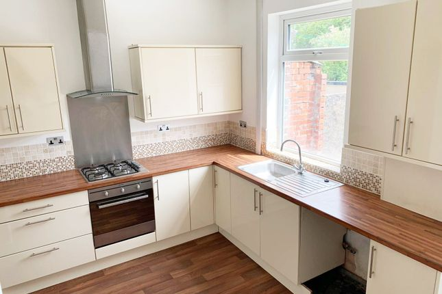 Thumbnail Terraced house to rent in Bury Road, Rochdale