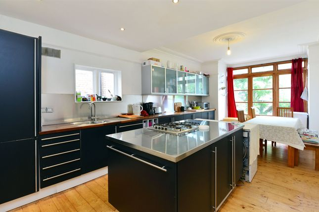 Thumbnail Terraced house to rent in Elvendon Road, Bounds Green