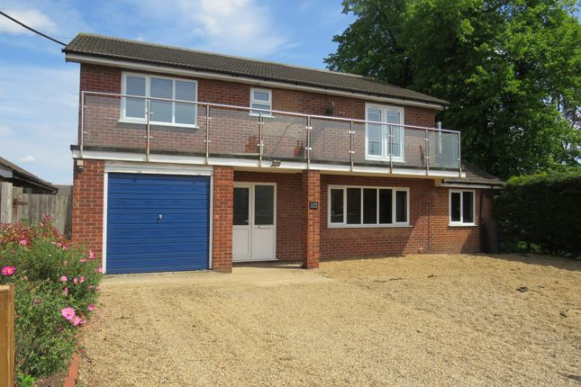 Thumbnail Detached house for sale in Victoria Road, Diss