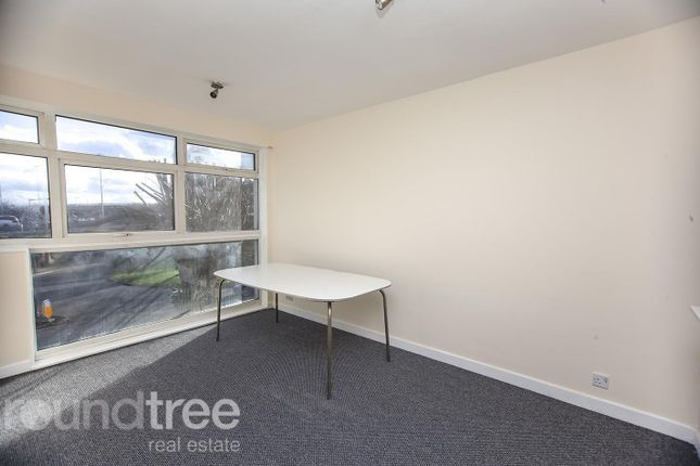 (Main) of Renters Avenue, Hendon, London NW4
