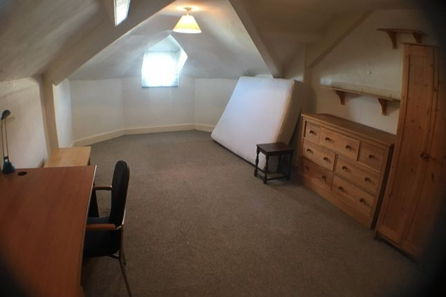 Thumbnail Maisonette to rent in 1B Clifton Place, North Hill, Plymouth