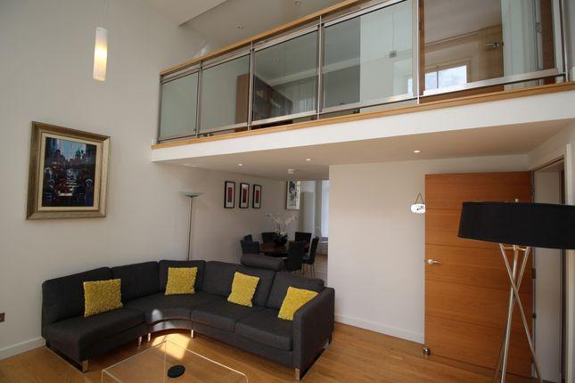 Thumbnail Flat to rent in Simpson Loan, Central, Edinburgh