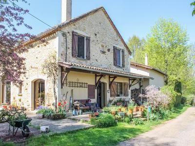 5 bed property for sale in Montclera, Lot, France