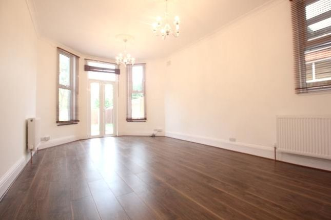 Thumbnail Flat to rent in Palmerston Road, Bounds Green