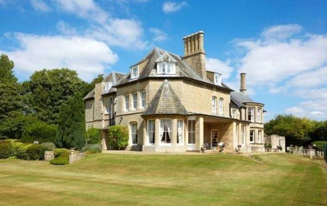 Thumbnail Detached house for sale in Woodgreen, Witney, Oxfordshire