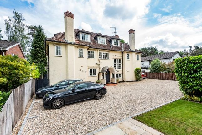 Thumbnail Flat to rent in Blackdown Avenue, Pyrford, Woking