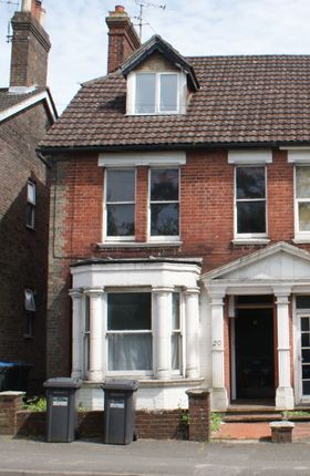 3 bed town house to rent in Station Road, East Grinstead, West Sussex