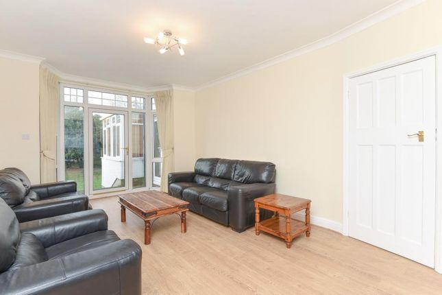 4 bed semi-detached house to rent in Lyndhurst Gardens, Finchley