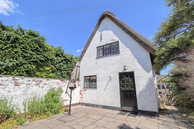 Thumbnail Detached house to rent in Whitnash Road, Whitnash, Leamington Spa