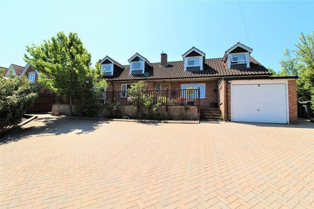 Thumbnail Detached house for sale in New Road Hill, Midgham, Reading