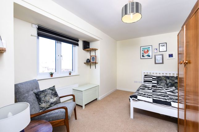 Bedroom Two of Aldenham Road, Bushey WD23