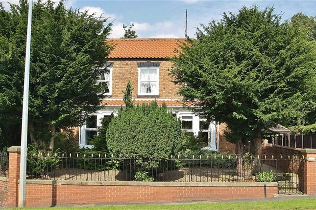 Thumbnail Property for sale in Wold Road, Barrow-Upon-Humber