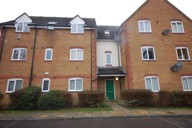 2 bed flat for sale in Forest Glade, Langdon Hills, Essex