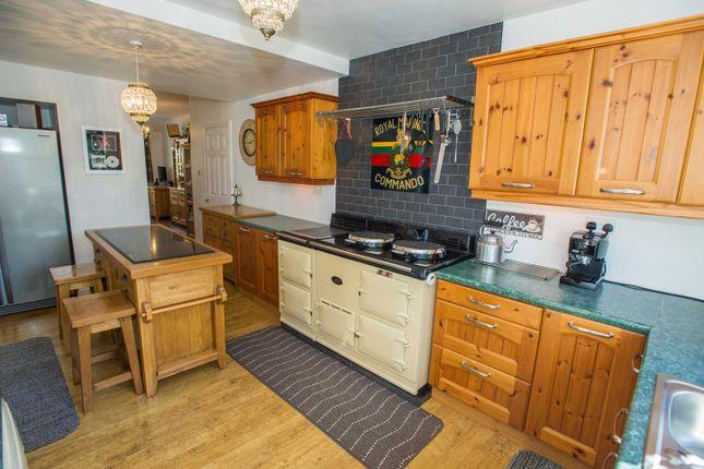 Kitchen/Family of Rowan Tree Dell, Totley, Sheffield S17